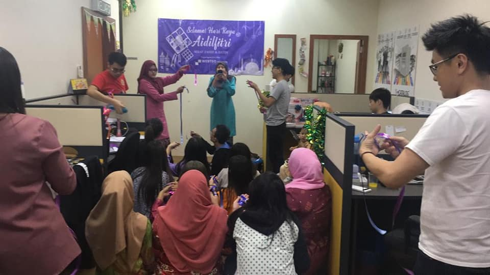 Making ketupat using ribbon and Challenging game for Selamat Hari Raya June2019